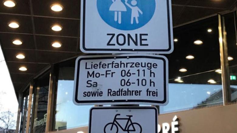 Fahrradfahren in der Bergisch Gladbacher Fußgängerzone