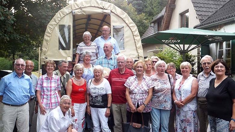 Senioren-Union-Tour zur Straußenfarm