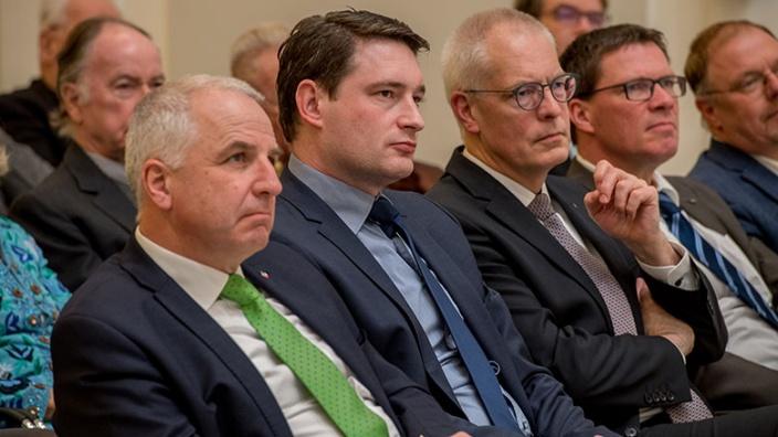 Kreisvorsitzender Rainer Deppe MdL, Uwe Pakendorf, Dr. Hermann-Josef Tebroke MdB, Landrat Stephan Santelmann und Kreistagsfraktionsvorsitzender Johannes Dünner