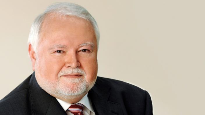 Dr. Johannes Bernhauser