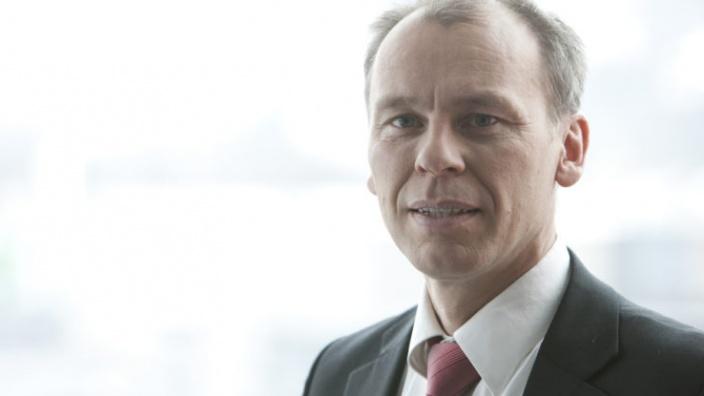 Prof. Dr. Stefan Bratzel